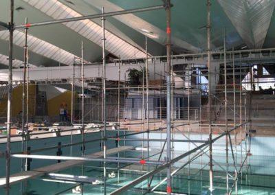 Plateformes d'accès pour une piscine olympique